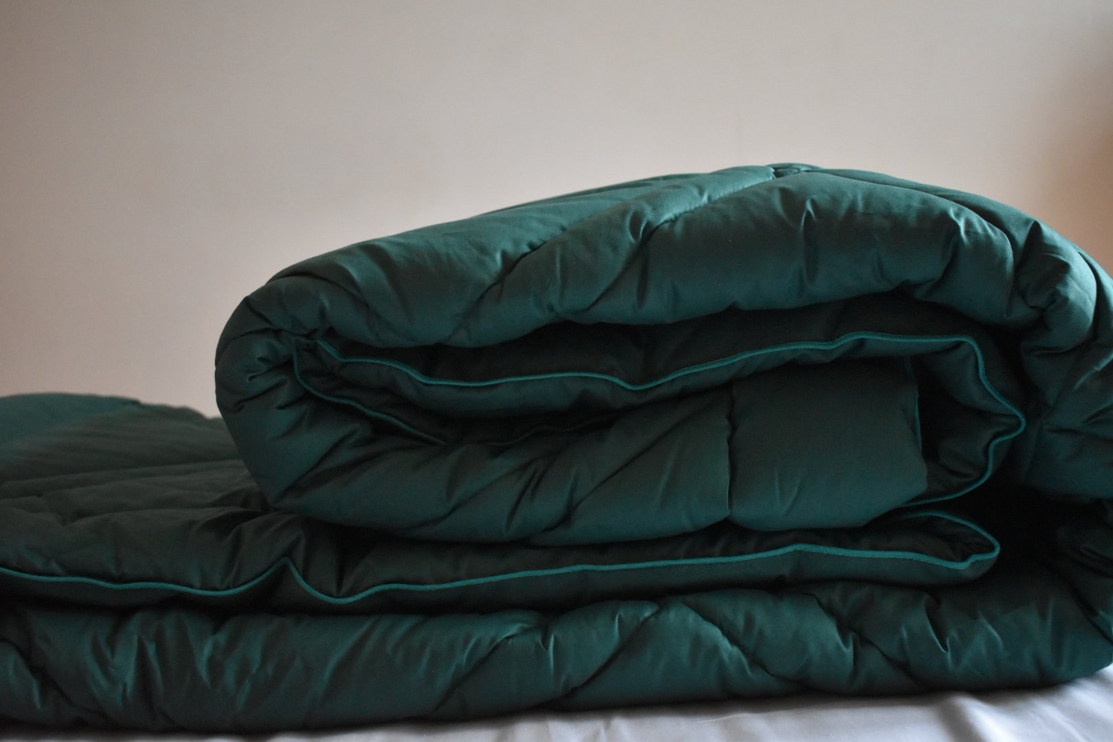 Luxury forest green coverless duvet