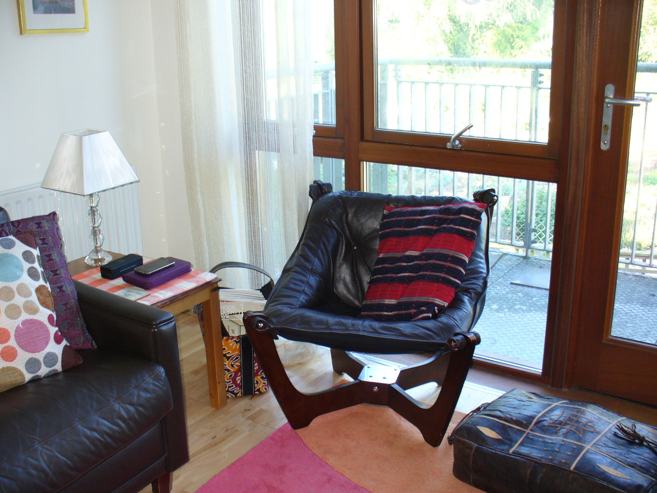 living room with french window1